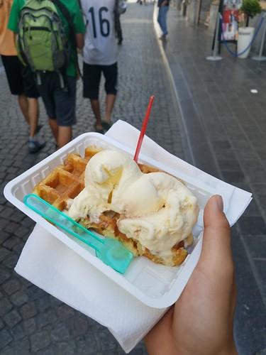 ベルギーワッフル カリカリ 美味