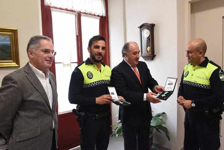 RECEPCION POLOCIAS LOCALESCONDECORADOS POR LA JUNTA DE ANDALUCIA1
