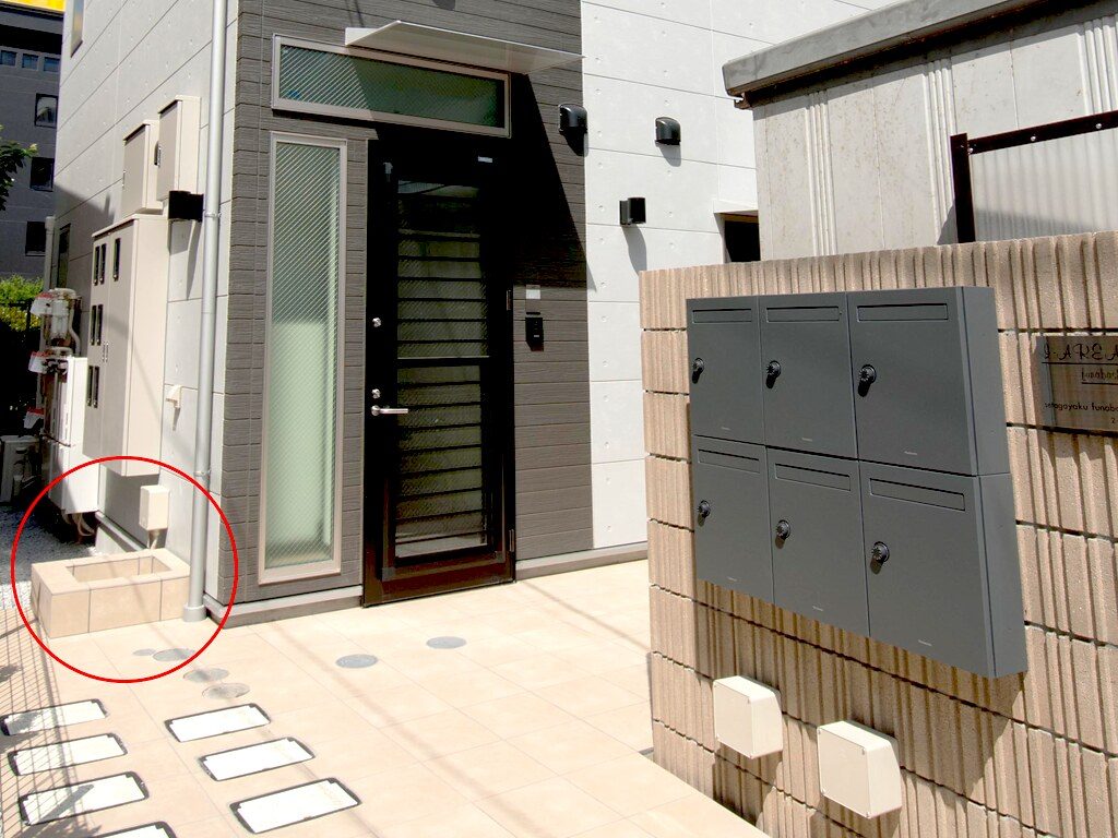 アパートメントハウスの入り口