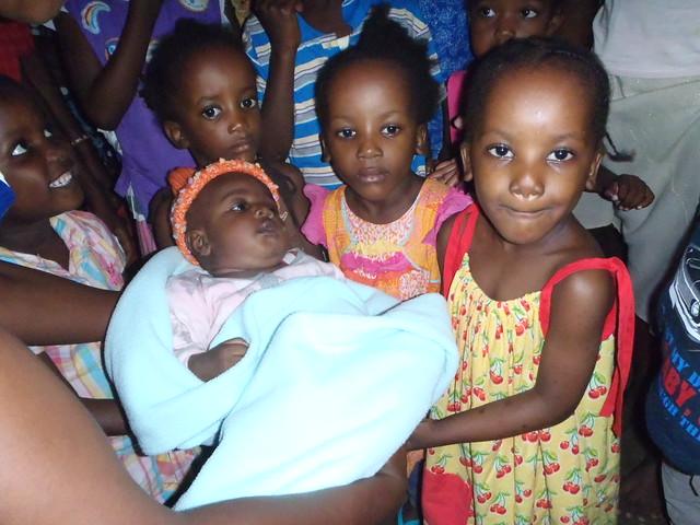 Tina, Charlotte, Lydia & Mary greet Baby Mohammed