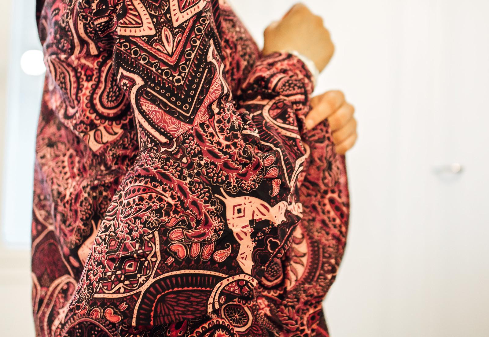 punainen naisten pusero