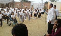 Entrega de implementos deportivos a la escuela Yelmo Rivadeneira en Los Sauces