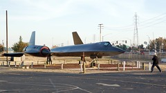 Ian lining up for his photo of the USAF Lockheed SR-71 SR-71 DSC_0394