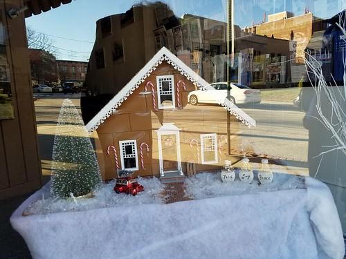 Putnam Gingerbread House Entry