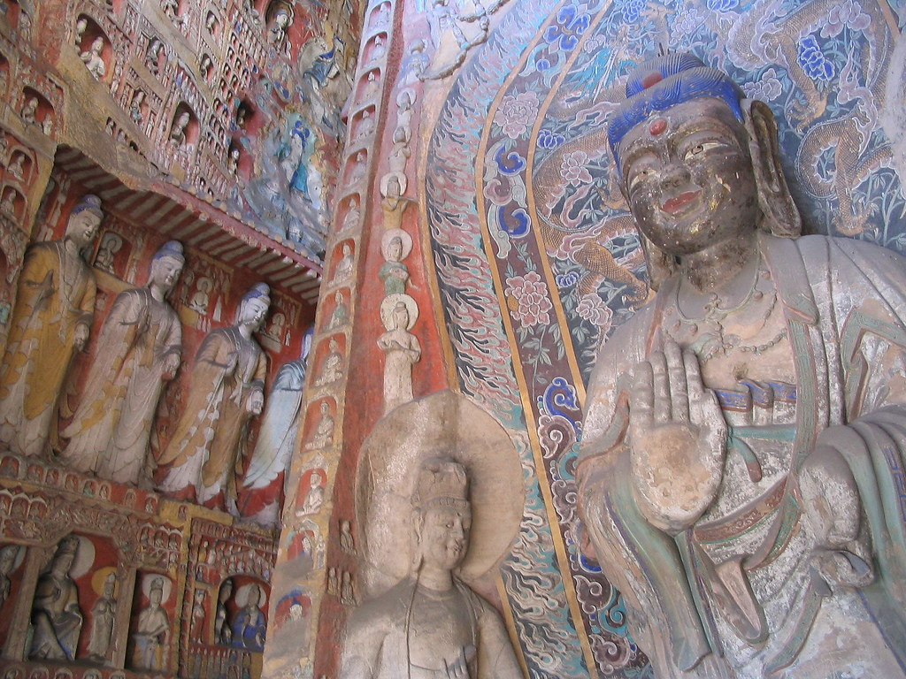 Side_wall_statues_Yungang