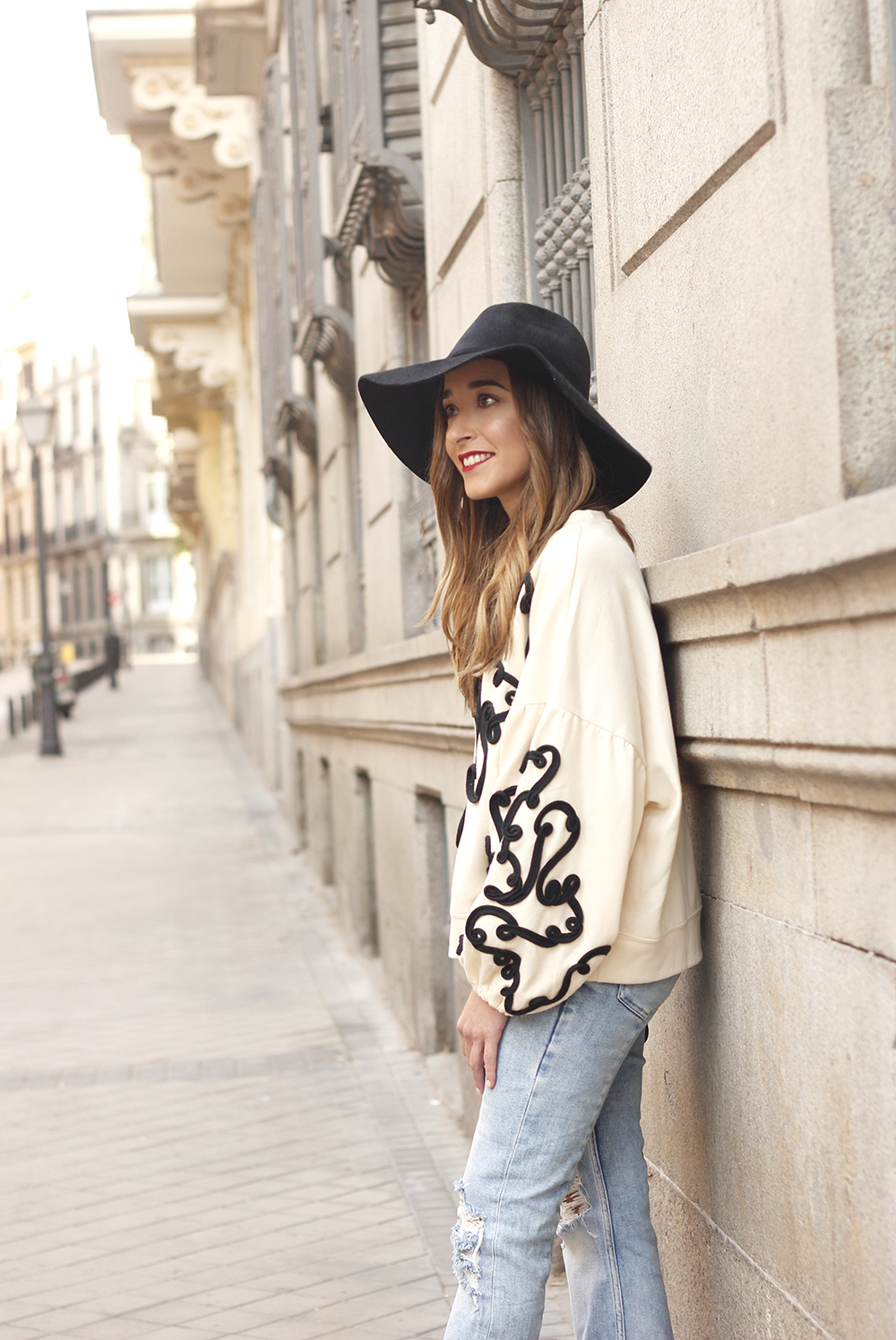 black and white sweatshirt ripped jeans black hat givenchy uterqüe jewel heels 15