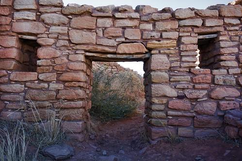 colorado lowrypueblo ruins ruin fb2017 canyonsoftheancientsnationalmonument doorway stonework lintel windows