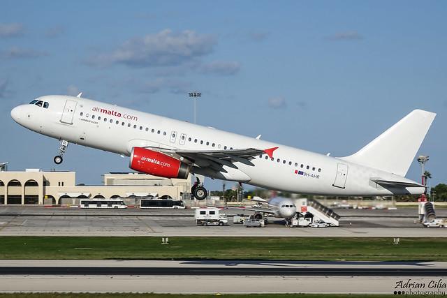 Air Malta --- Airbus A320 --- 9H-AHR