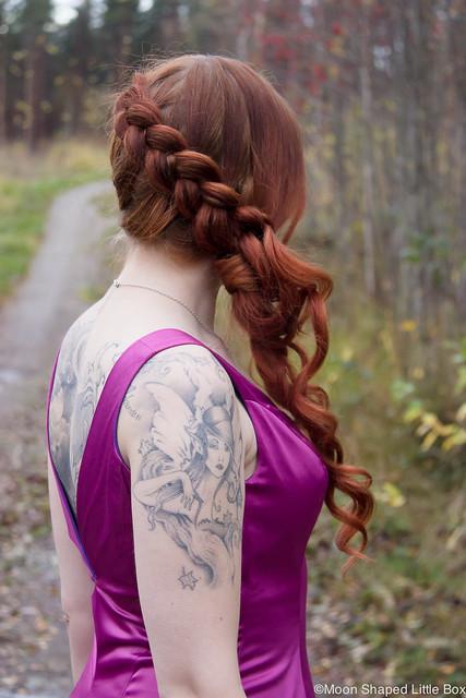 Ranskanlettikampaus pitkille hiuksille juhlakampaus