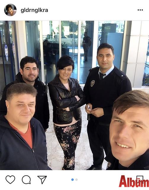 Gülderen Gülkara, Alanya Asayiş Büro mesai arkadaşlarıyla birlikte paylaştığı bu fotoğrafla takipçilerinin beğenisini topladı.