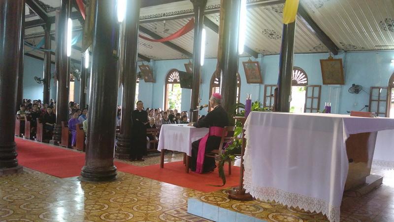 Đức Giám mục Giáo phận kinh lý Giáo xứ Kim Châu