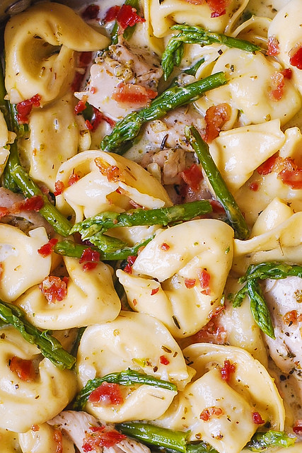 Creamy Chicken, Asparagus, and Bacon Tortellini