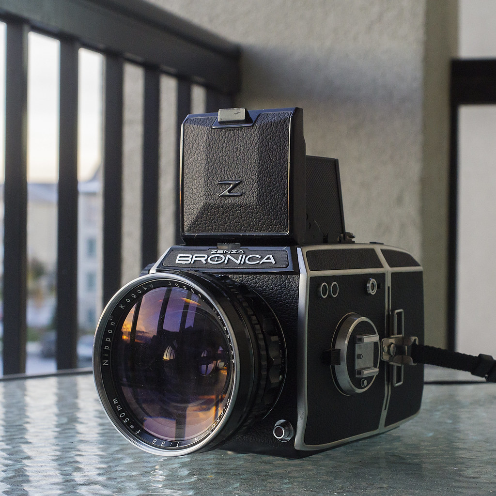 CCR Review 77 - Zenza Bronica EC