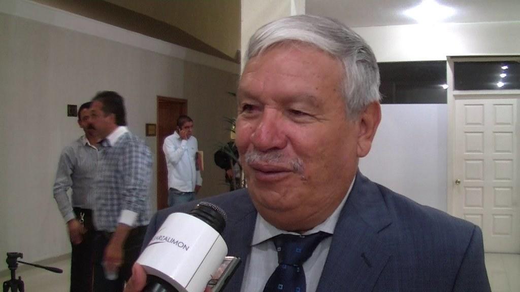 PÁG. 5 (2). Profr. Ricardo Rentería Medina, secretario general de la sección 12 del SNTE, líder ornamental que no protege a sus agremiados de las injusticias de las que son objeto.