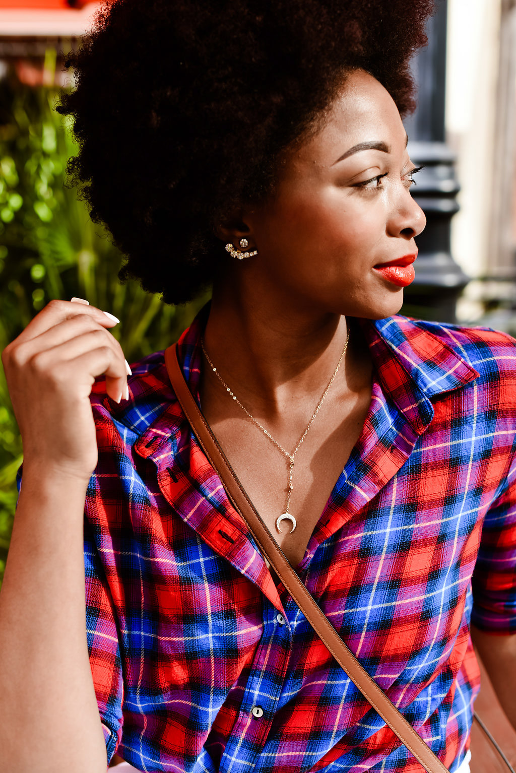 how to wear red lipstick on dark skin