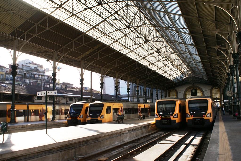 Quais de la Gare de Porto-São Bento