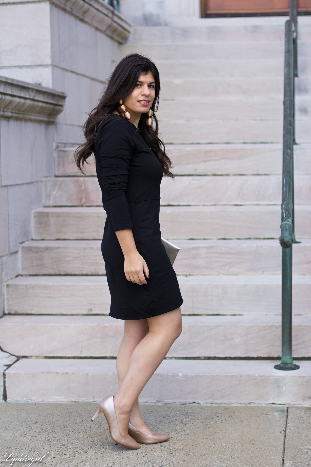 black tulip hem dress, nude pumps, scalloped clutch.jpg
