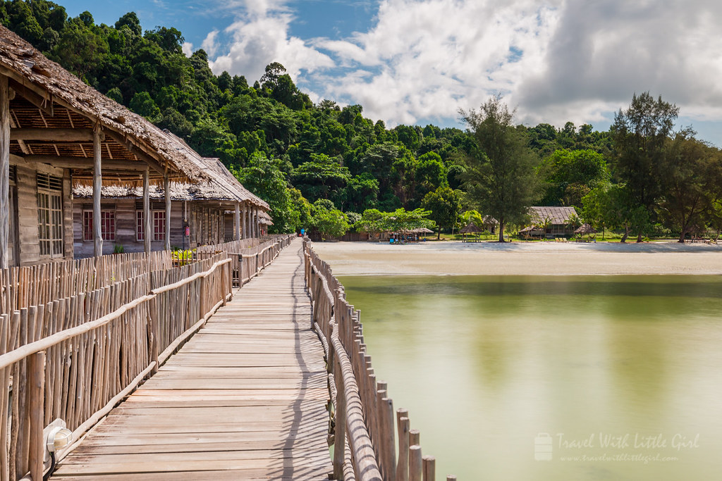 The path to the beach, Telunas Beach Resort