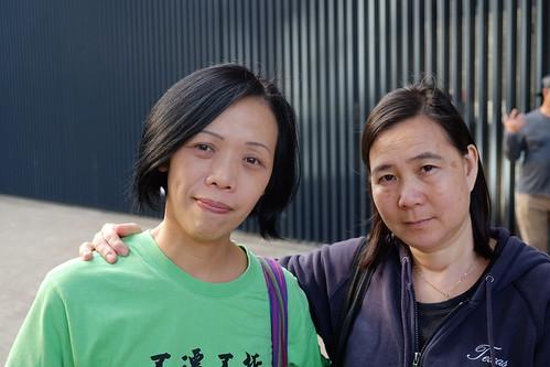 左邊:村民歐陽太太