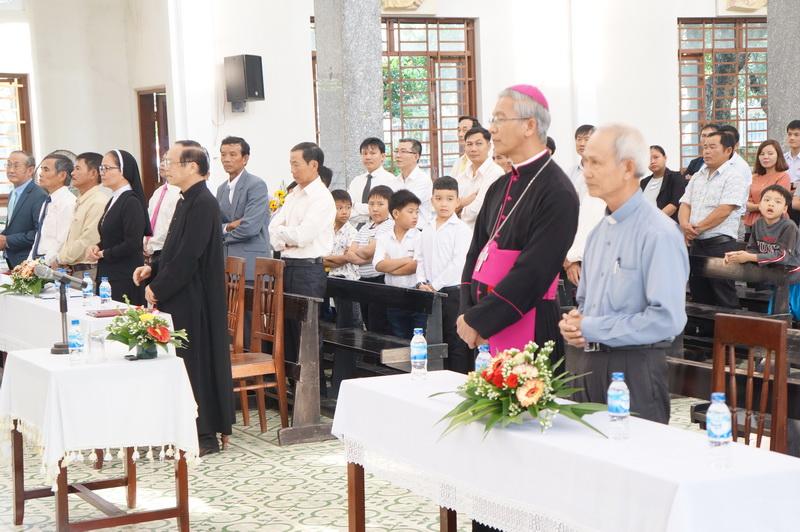 Đức Giám mục kinh lý Giáo xứ Quảng Ngãi