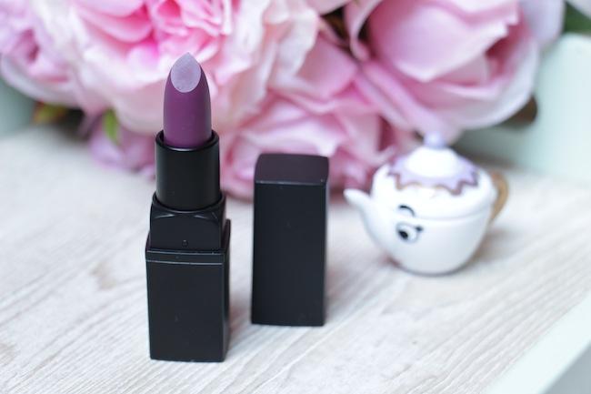 2_rouges_levres_violet_pour_cet_hiver_beaute_blog_mode_la_rochelle_8