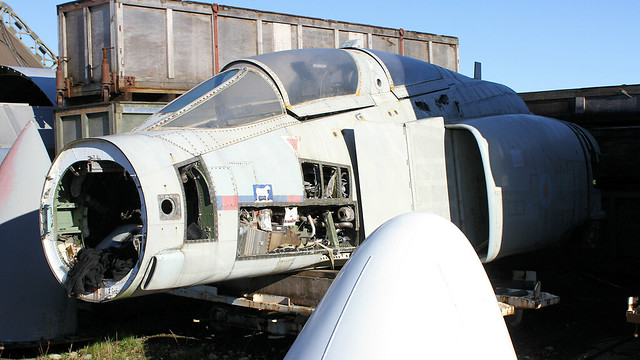 XV499