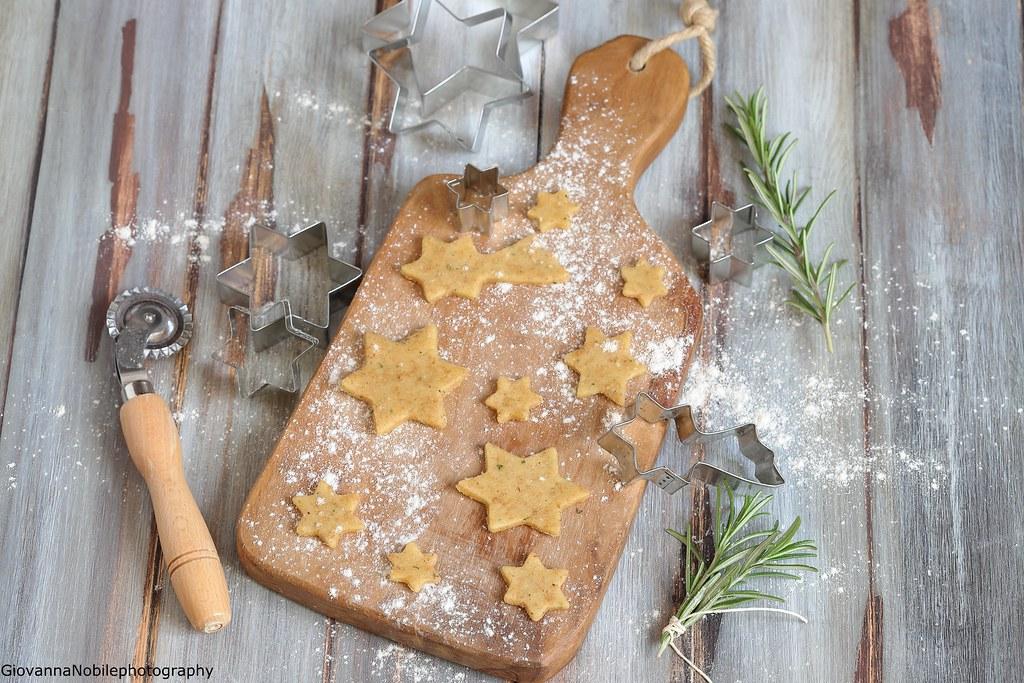 Biscottini con parmigiano e rosmarino 2
