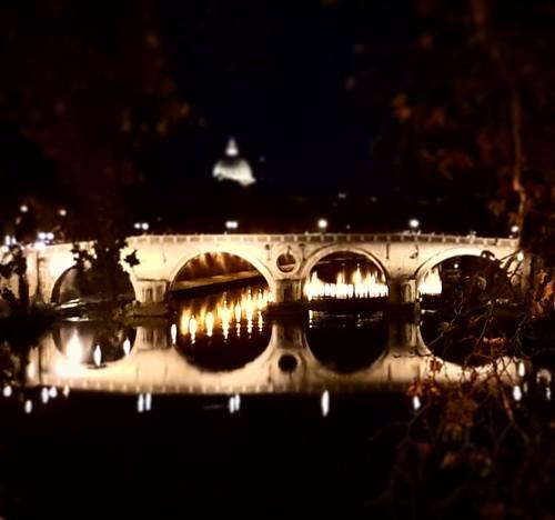 Roma: passeggiata lungo il Tevere