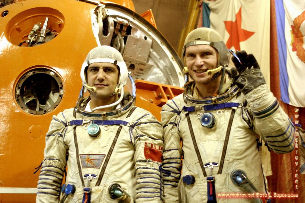Космонавты на тренажере