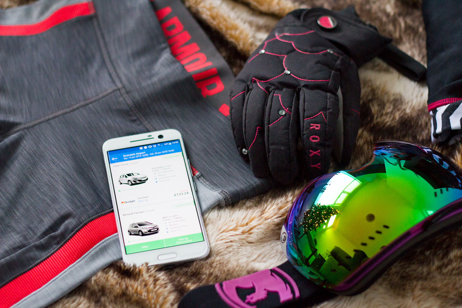 Rentalcars---How-to-Pack-for-a-Ski-Trip