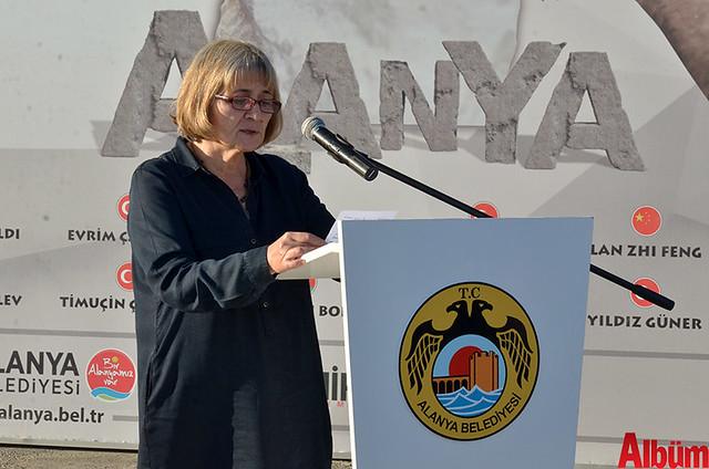 Mimar Sinan Güzel Sanatlar Üniversitesi Heykel Bölümü Başkanı Fatma Akyürek