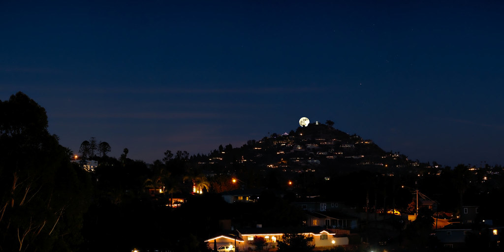 Supermoon over Mt. Helix. (explored)