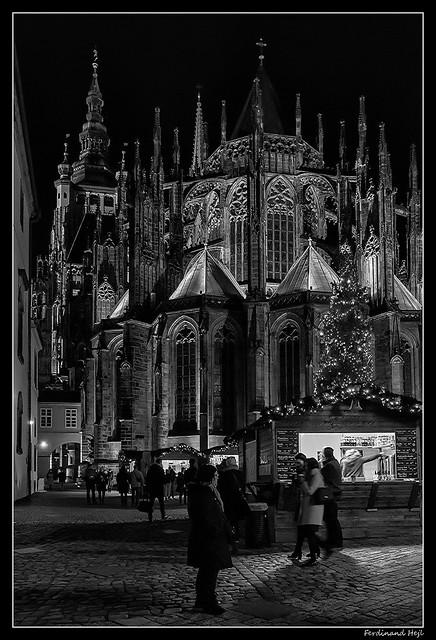 Praha - Prague_Katedrála svatého Víta, Václava a Vojtěcha_The Metropolitan Cathedral of Saints Vitus, Wenceslaus and Adalbert_Východní Fasáda_The eastern façade_Pražský hrad_Prague Castle_Praha 1 - Pražský hrad_Czechia