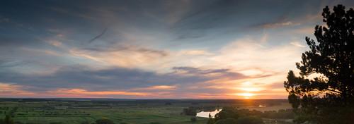 dniester landscape moldova nistru pines summer dusk evening fields panorama river sunset днестр дністер молдавия вечер лето панорама пейзаж поля река сосны сумерки aneniinoi md δνείστεροσ τύρασ