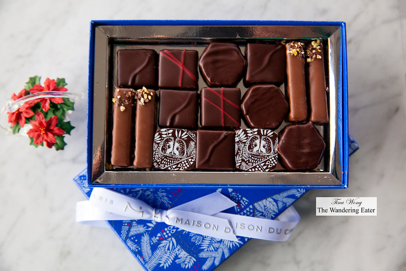 A Starlit Night Gift Box (15 pieces)