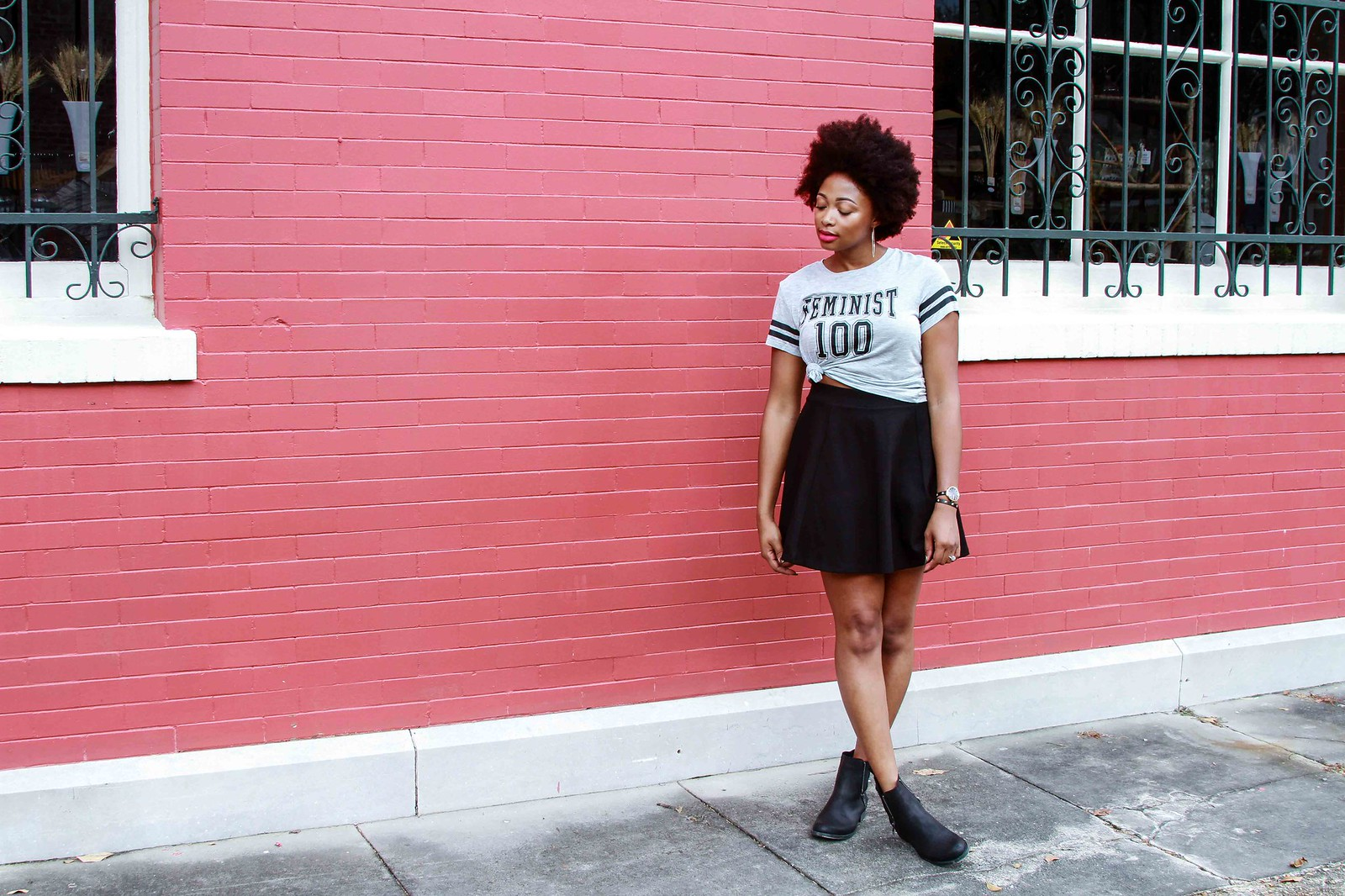 how to style a feminist tee, the beauty beau