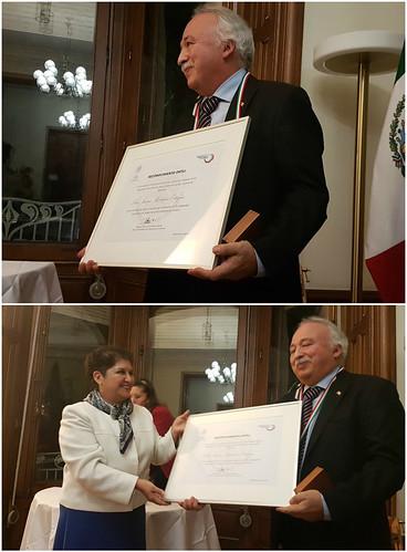 Entrega del Premio Ohtli al Profesor mexicano Luis Javier Martínez Ortegón