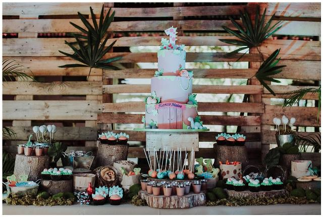 dinosaur theme party cake
