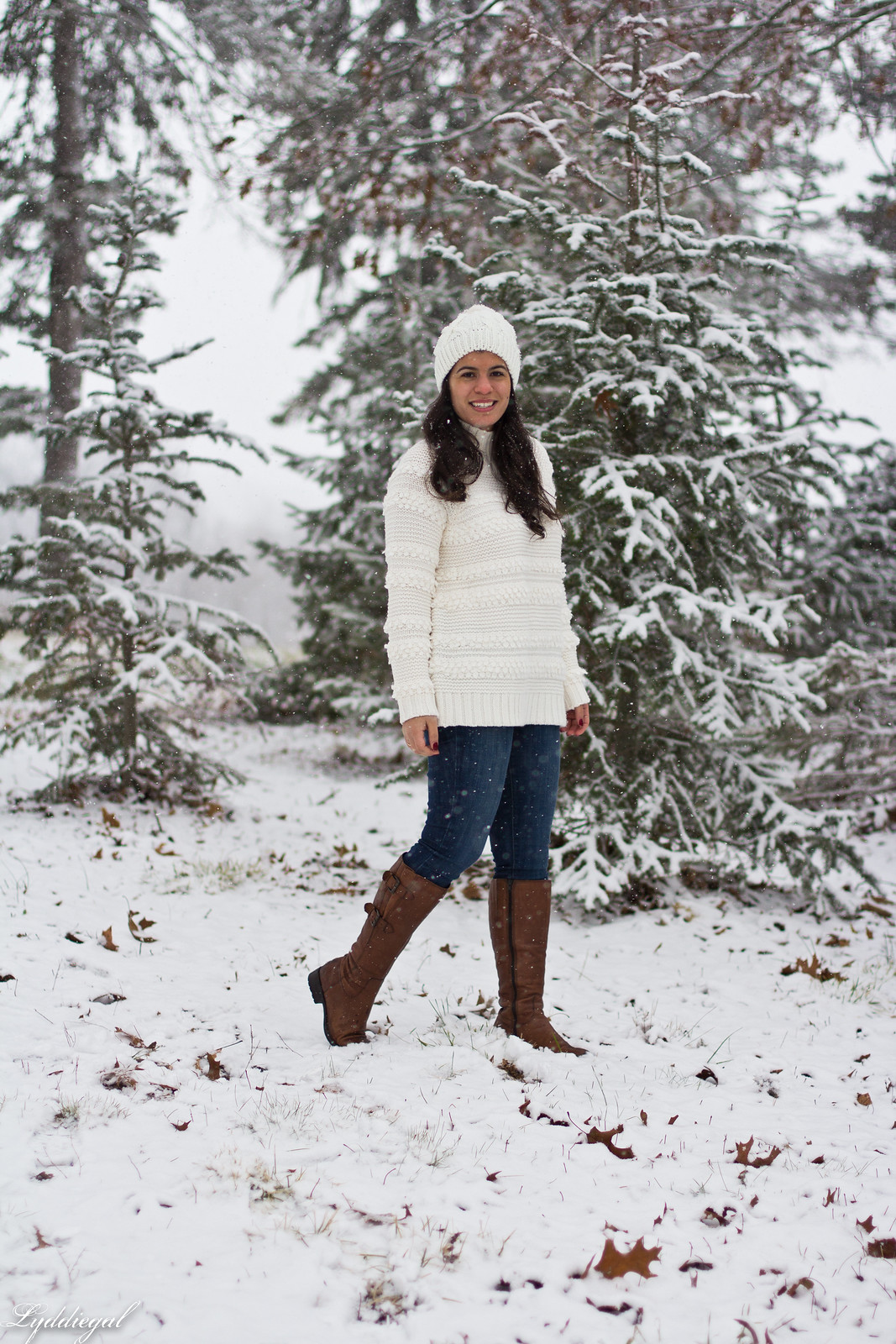 CT Fashion blogger wearing a loft white sweater, brown leather boots, pom pom hat, tree hunt outfit-14.jpg