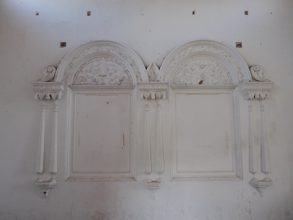 A twin window in the castle, or just a decoration?