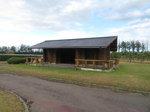 金沢競馬場の内馬場の小屋