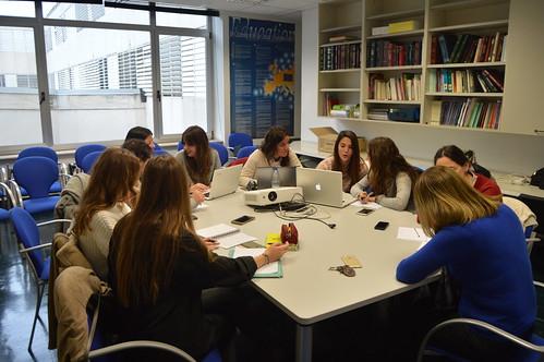 Grupo trabajando en el proyecto de Santa Criz de Eslava