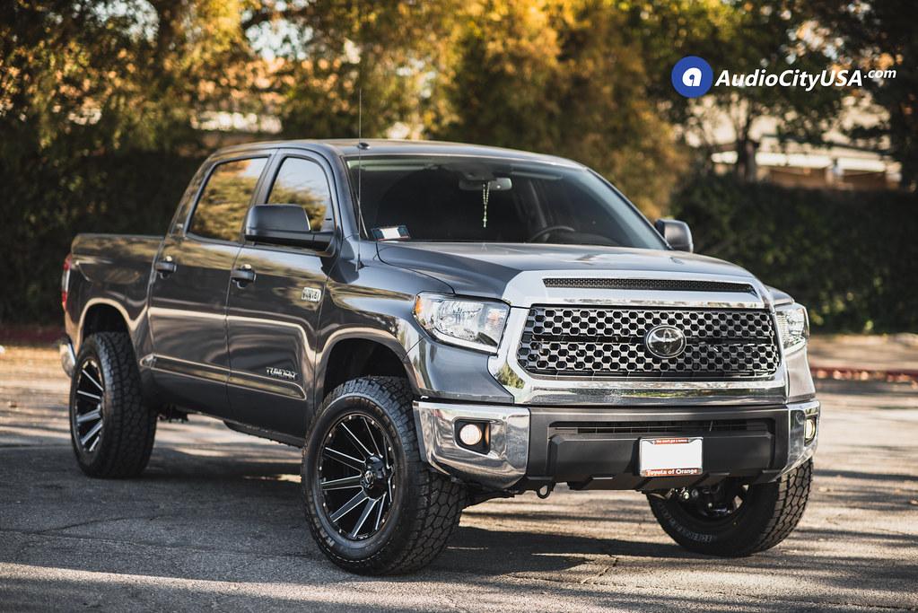 2018 Toyota Tundra | 20x10 Fuel Wheels Contra D615 Gloss ...