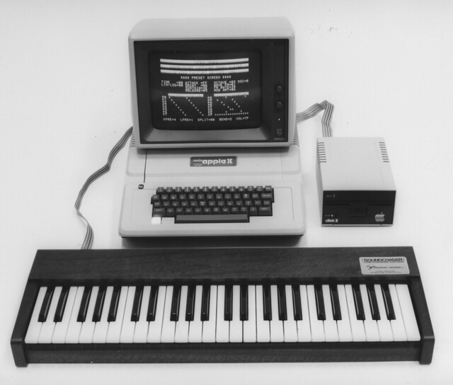 CW-APP-004 Apple II plus Soundchaser keyboard and music software