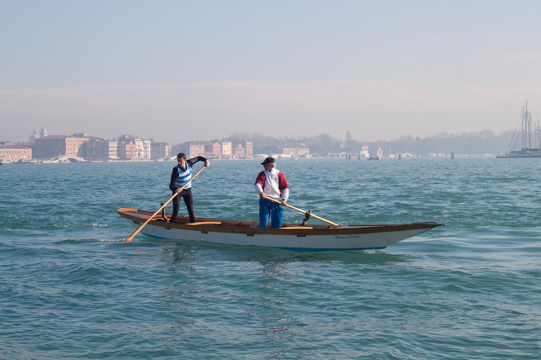 Streets of Venice, Men on Gondola | lifeofkitty.co.uk