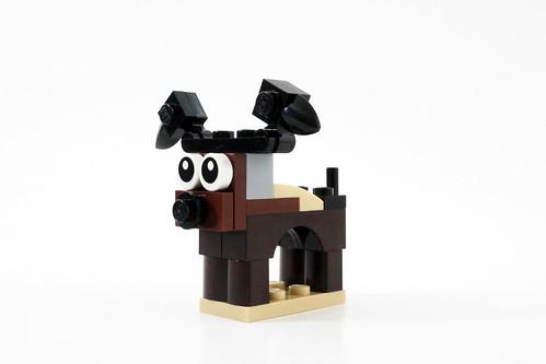 LEGO Seasonal Christmas Build Up (40253) - Day 3