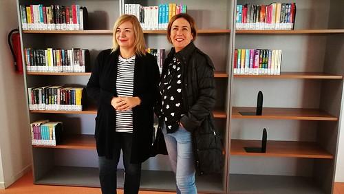 Biblioteca de Montequinto nueva zona de lectura juvenil