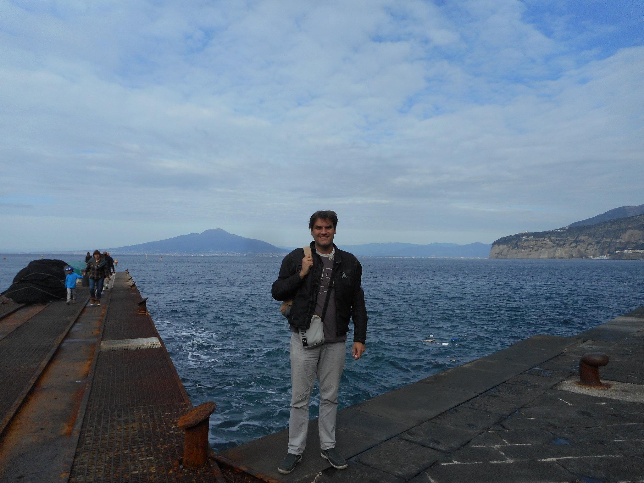 izlazi u Italiji vs Americi web stranica za upoznavanje anglo indijskog jezika