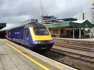 Two First Great Western Intercity 125 trains at Cardiff Central