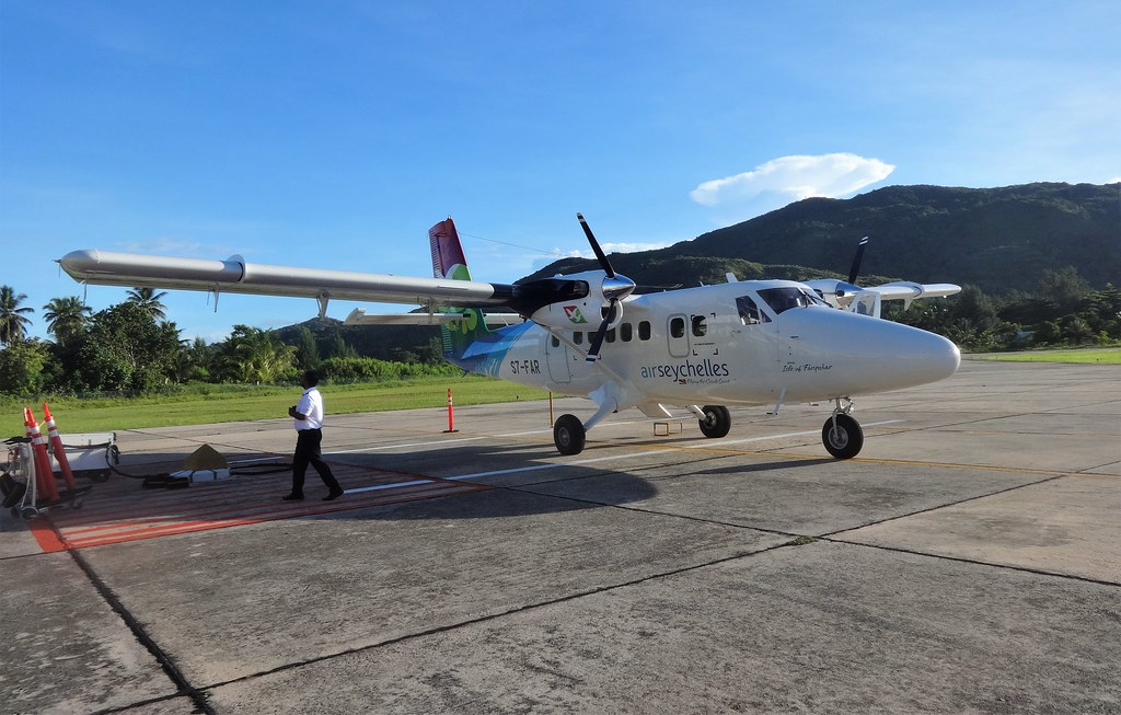 Air Seychelles,  airport on Praslin
